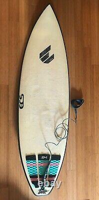 ECS 6'0 FIVE-FIN SURFBOARD WITH FUTURES FINS, LEASH, PAD 6ft SHORTBOARD