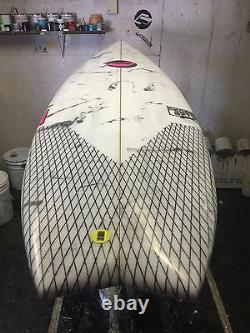 M/O/D surfboard 5-10 x 19.5 x 2.5 Brokeneck fish model